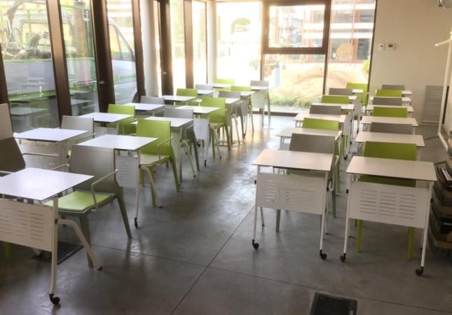 Aula formazione con i banchi scuola Pitagora