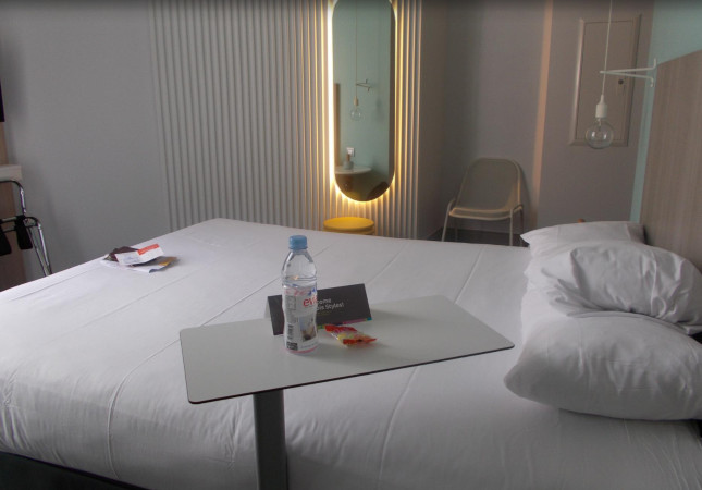 Sibì nell'IBIS Hotel a Nizza
